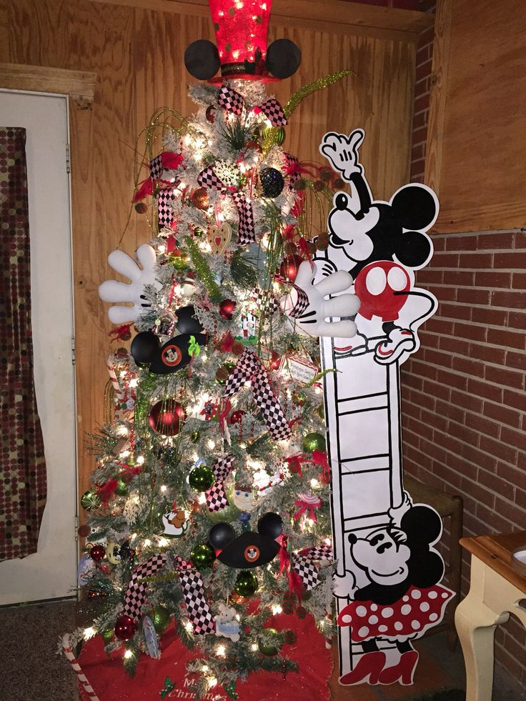 mickey and minnie mouse christmas tree barbara pinterest christmas disney christmas and mickey mouse christmas tree