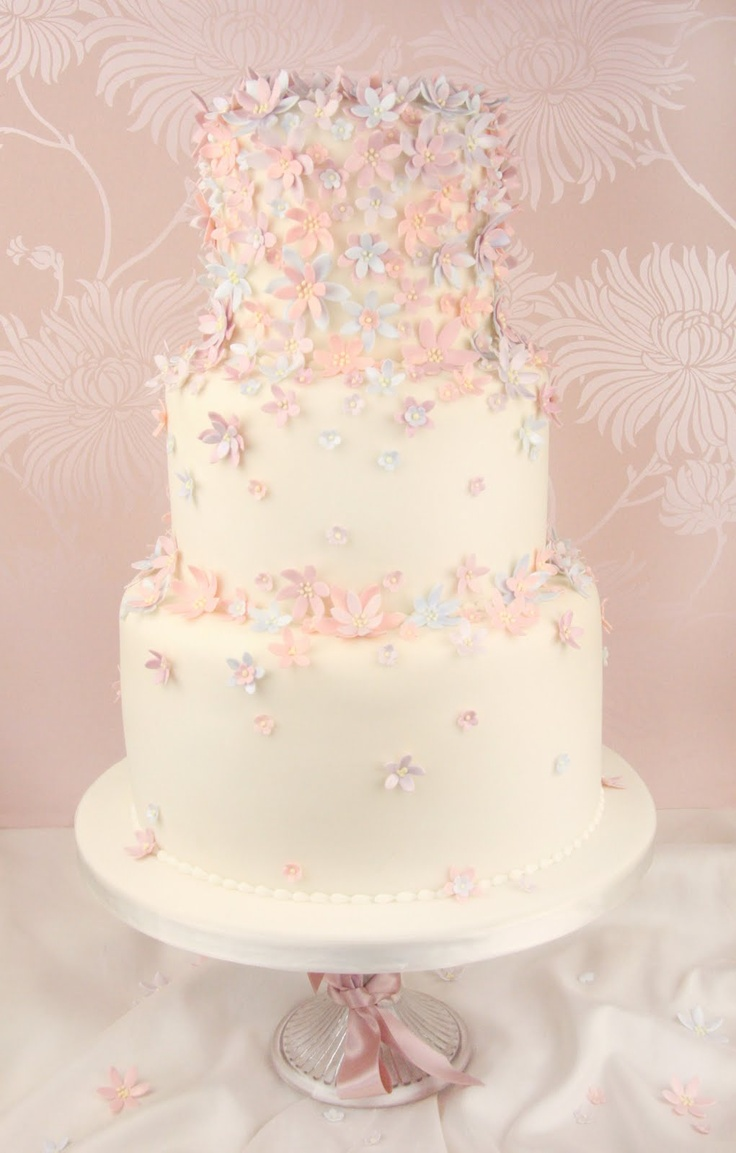 Find This Pin And More On Wedding Cakes Pastel Cakes By Harleyrocky