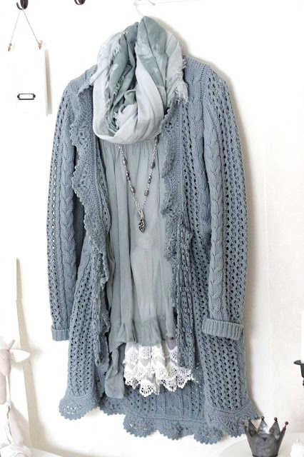 Shabby Chic...perfect for a spring day or summer night and love the blue!