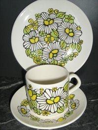 Daisies Trio Coffee Can - very mod!