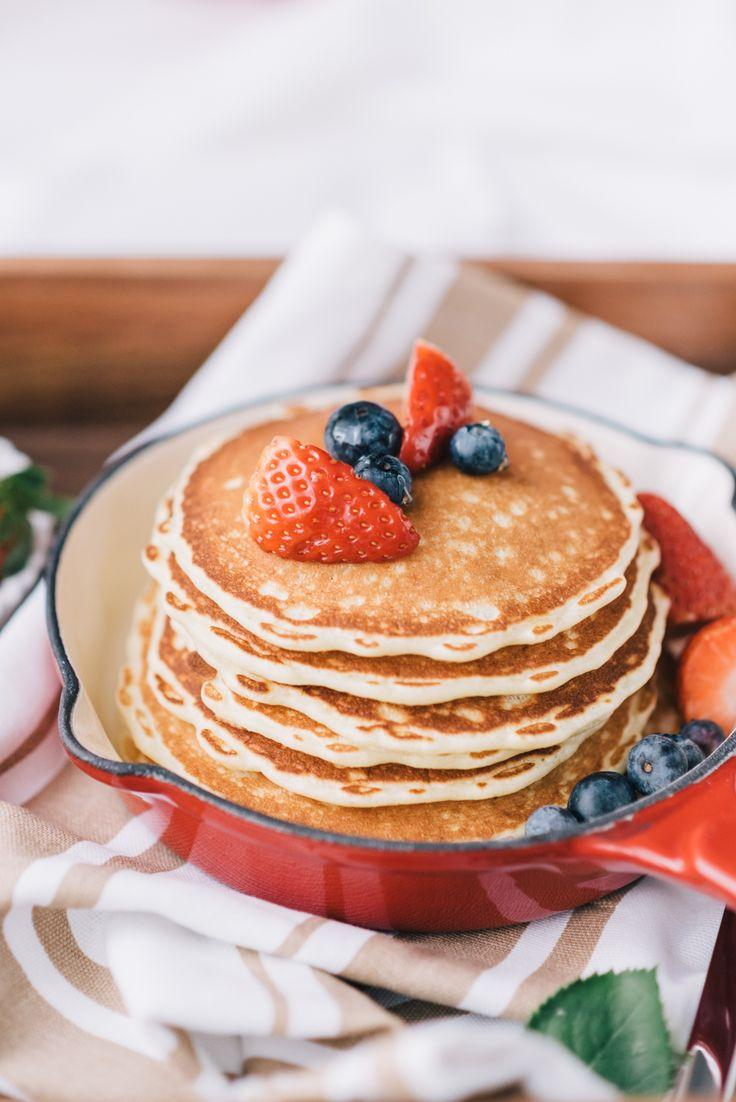pancakes, w kuchni wieczorem, food photography, food styling