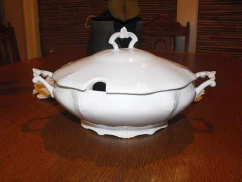 Tirschenreuth-BARONESSE-WHITE-covered-vegetable-dish-excellent-condition