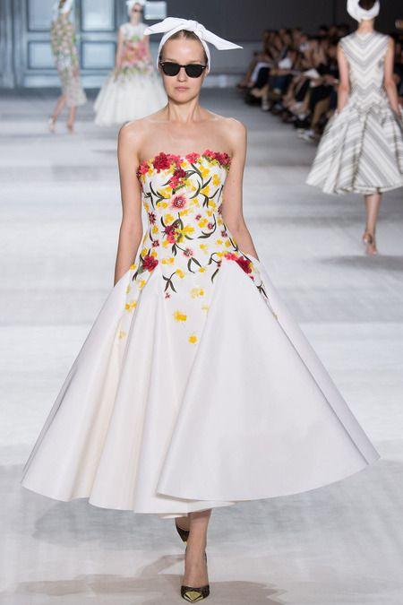 maidsofbondstreet:  Elena Todorchuk at Giambattista Valli, Fall 2014 Haute Couture
