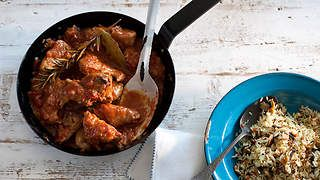 Rabbit in tomato and wine sauce with rice recipe