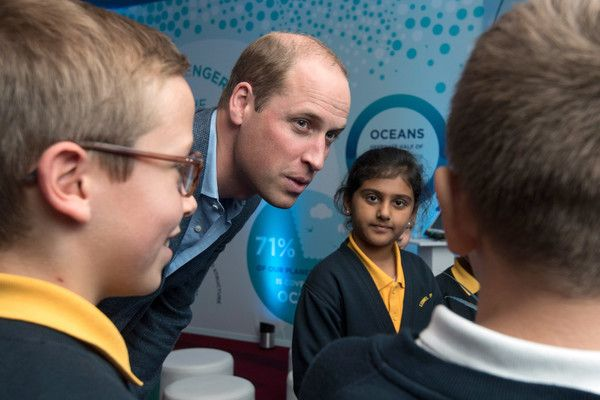 "Prince William Photos - Prince William, Duke of Cambridge meets pupils from the Lionel Road Primary School Primary school, Brentford at the World Premiere of ""Blue Planet II"" on September 27, 2017 in London, United Kingdom. - 'Blue Planet II' - World Premiere - Red Carpet Arrivals"