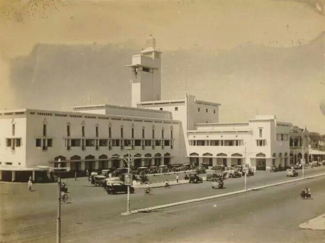 Kantor Gubernur di Surabaya, 1930  (C) KITLV