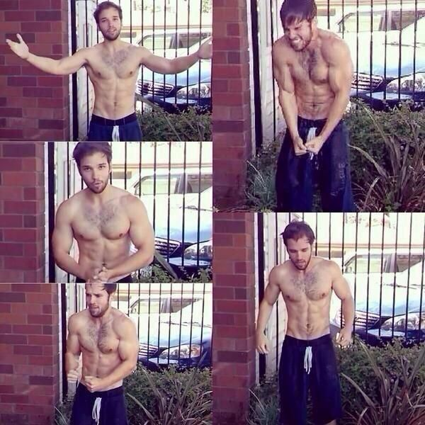 nathan kress(freddy from icarly) doing the ice bucket challenge WHEN DID THIS HAPPEN @JAAEEGGEERR