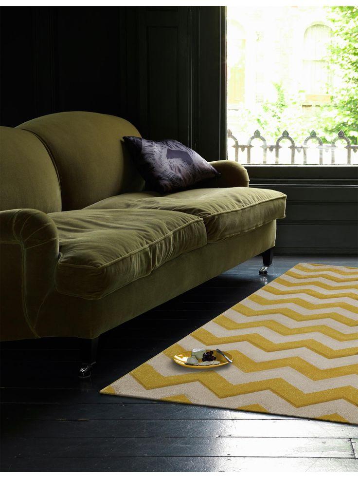Das Klassische Zickzack Muster, Auch Chevron Muster Genannt, Auf Dem Neuen  Teppich