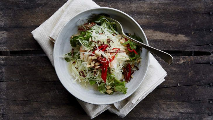 This Vietnamese green papaya salad by Tony Tan is great with grilled beef or barbecued chicken.