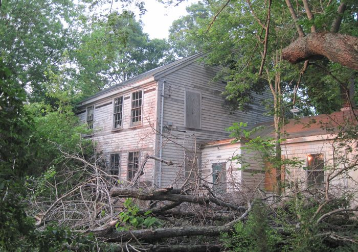 [OS] Abandoned house between Hockomock Swamp and West Bridgewater. Where is it exactly? [700x494]