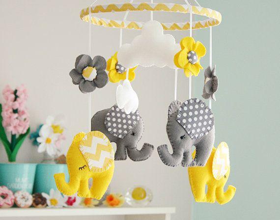 Baby Kinderzimmer Mobile gelb / grau von FlossyTots auf Etsy