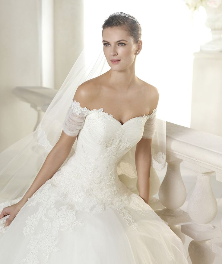 Style * SHEBA * » Wedding Dresses » Glamour 2015 Collection » by San Patrick (close up)