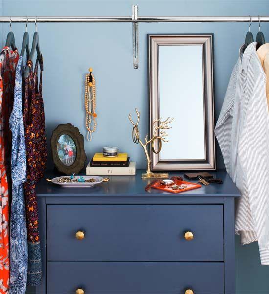 Lea esto antes de rehacer su armario Dormitorio Ya sea que decida en un sistema off-the-shelf, personalizados construido-ins, o un DIY especial, lea estos consejos antes de vadear en
