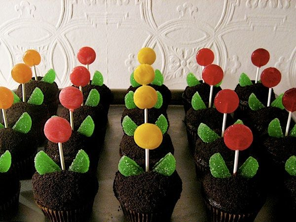 These cupcakes with lollipops might be my favorite.