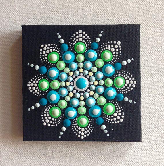 Original petit Mandala tableau sur toile, Art aborigène, petite peinture, peinture acrylique sur toile.  Mon art sera soigneusement emballé pour assurer la peinture vous parvienne en parfait état et envoyé avec un colissimo recommandé.