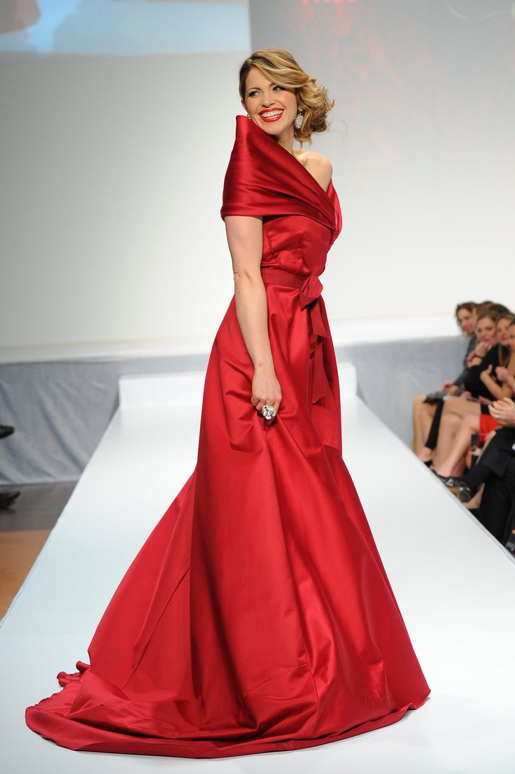 Pascale Hutton wearing Paul Hardy - The Heart Truth Canada