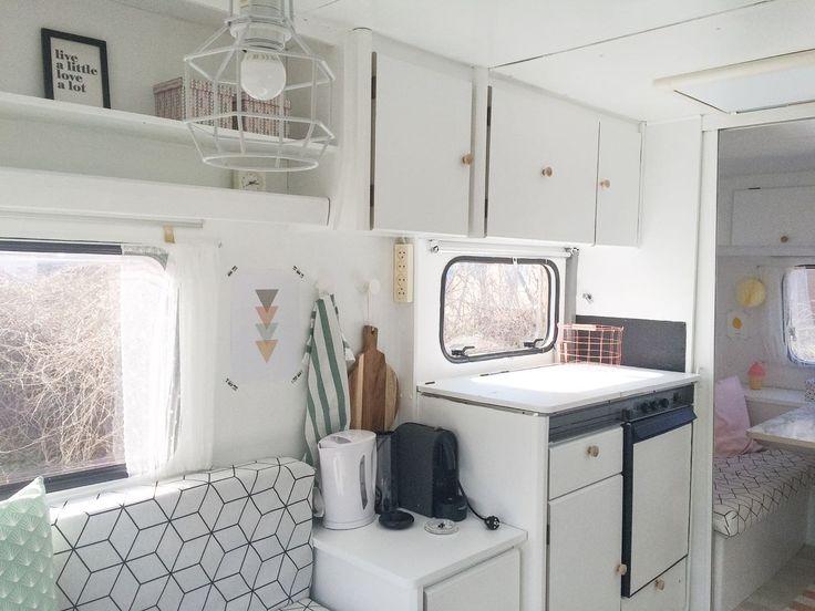 White caravan #caravanity