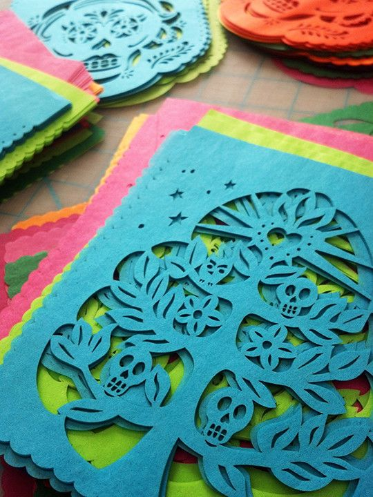 Perfect to decorate your Dia De Los Muertos altar! These papel picado mini banners are made in mixed bright colors and alternate 3 designs. Each set includes our exclusive papercutting 'Nada Es Imposi