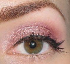 Simple Soft Pink Eye Makeup