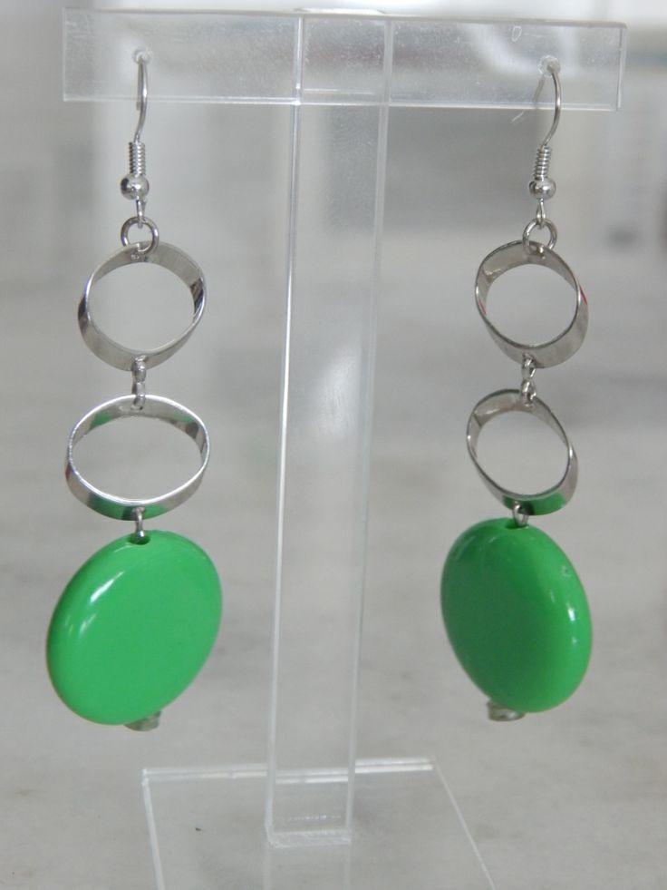 (110) Σκουλαρίκια με αλυσίδα ασημί και χάντρα πράσινη