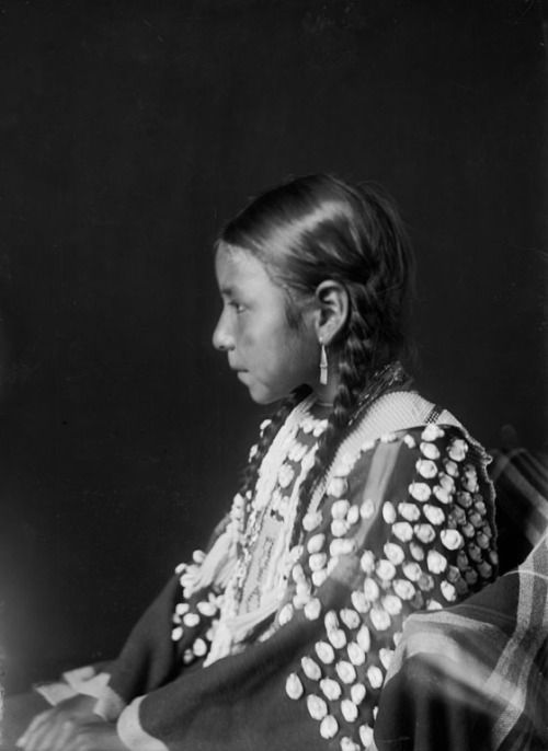 Nakai or Bear Woman, daughter of Oivit or Scabby Baldwin Twins - Cheyenne