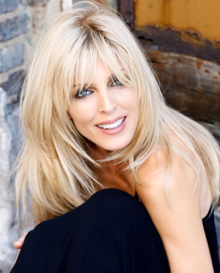 Marla Maples - love this hair style