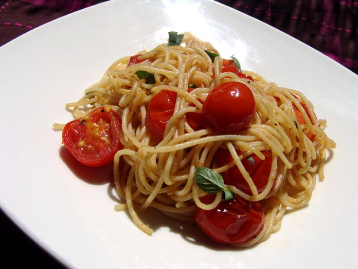 An extremely tasty and light summer recipe, with very few ingredients, requiring a minimum amount of cooking. Try it and...