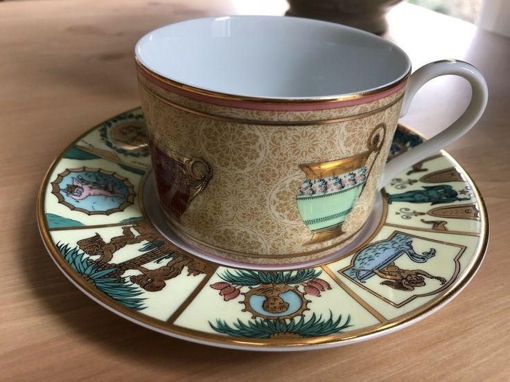 RARE GUCCI PORCELAIN Tea Cup and Saucer in Ancient…