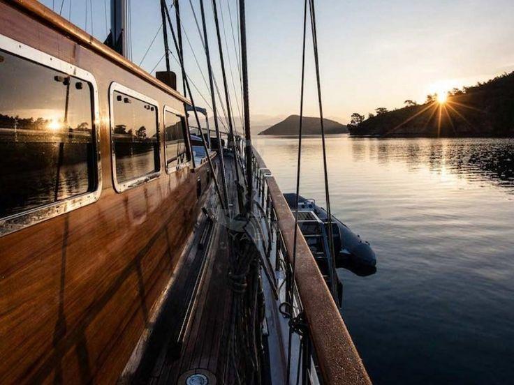 ECCE NAVIGO | CNL Yacht