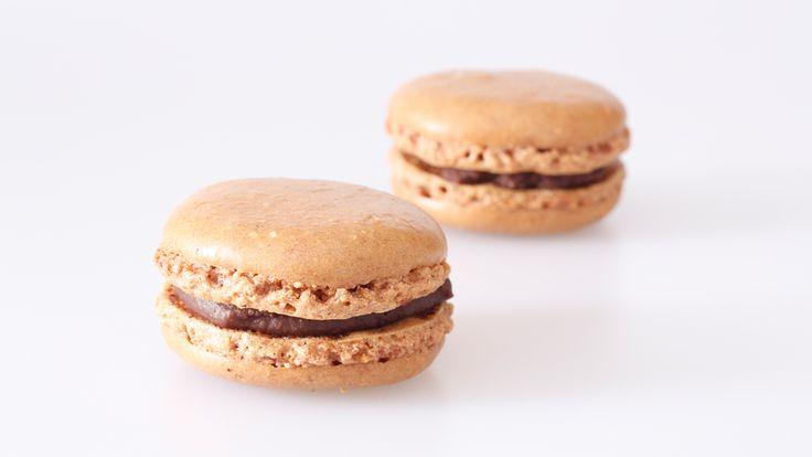 Frische Schokoladen-Macarons kaufen. Handgemacht und von bester Qualität. Einfach bestellt und schnell versandt! #macarons #macaron