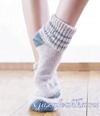 Классические носочки спицами