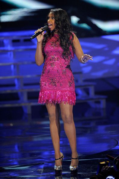 Jennifer Hudson Beaded Dress - Jennifer Hudson wore a beaded fuchsia dress for one of her songs at the VH1 Divas show.