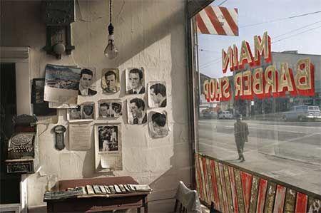 Fred Herzog - Main Barber