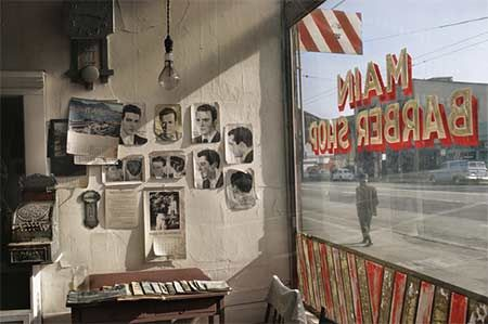 Fred Herzog - Main Barber