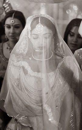 Rokanha: Ghoonghat's - A New Bridal Trend?