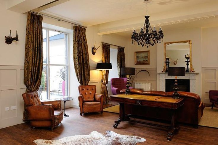 Boutique Edinburgh Stay, Breakfast, Prosecco & Strawberries for 2 deal in Accommodation Enjoy a one or two night Edinburgh stay for two at the boutique  Brooks Hotel.  Includes a full Scottish breakfast and luxe late check-out at 12.30pm.  Plus, a bottle