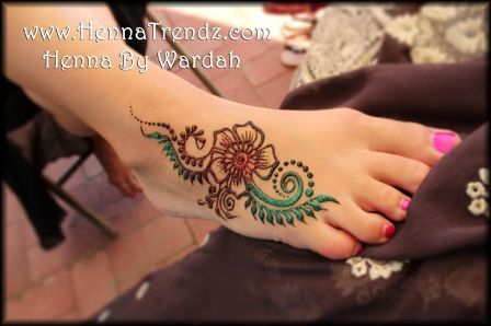 Simple henna tattoo for hand leg foot henna for Where can i get a henna tattoo near me