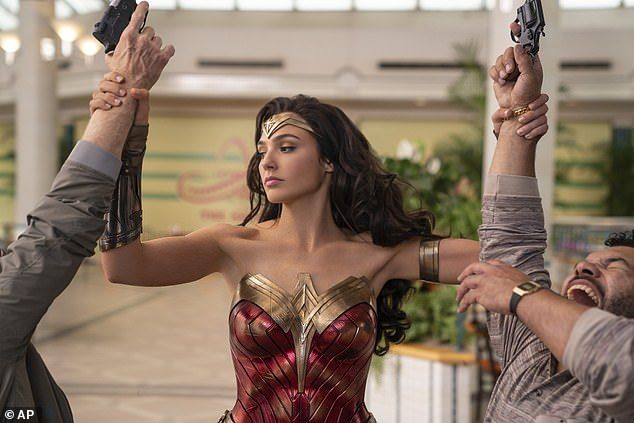 Wonder Woman 1984 Will Debut On Christmas After Multiple Delays In 2020 Wonder Woman Gal Gadot Hollywood