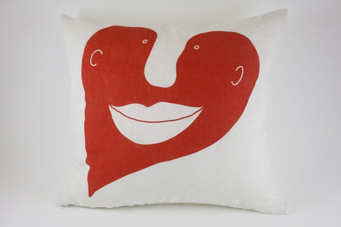 Heart Pillow Red by Jain&Kriz. 100% linen. A striking and playful accent for the bed or living room. A great Valentine's, wedding or birthday present.