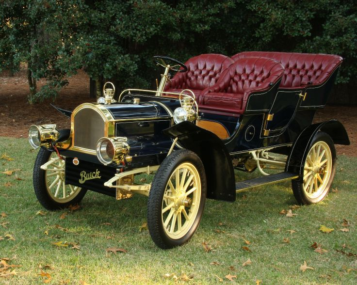 1905 Buick Model C: One of the earliest Buicks in existence, this auto is a multiple Antique Automobile Club of America (AACA) winner. Class 1