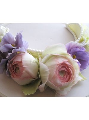 Persian Buttercups, Pansies and Wild Flowers Naomi yamamoto