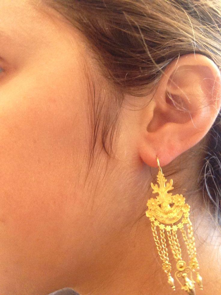 Boucles oreilles byzantines 2400€ (après nego 2000€). Athènes. Byzantino jewellery