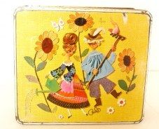 Gorgeous collection of hand chosen vintage tins and home wares at amazing prices from our online vintage shop. International shipping.