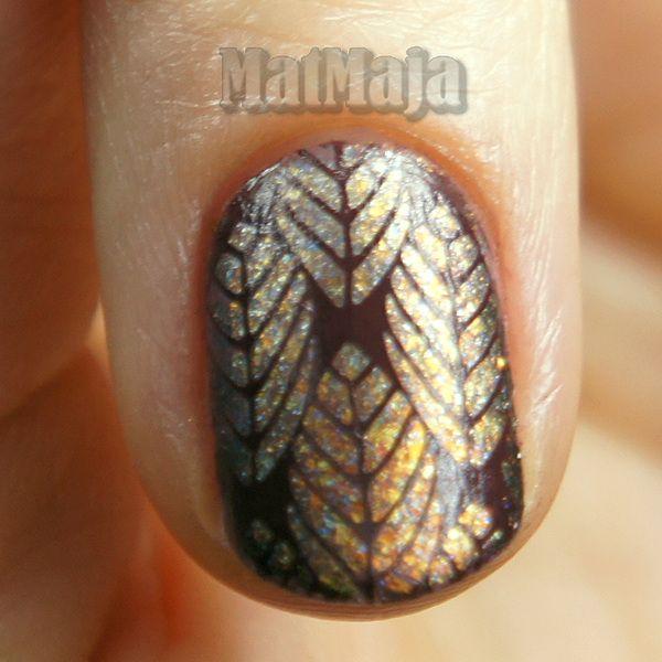 https://matmajowe.blogspot.com/2016/11/falling-leaves-nails.html