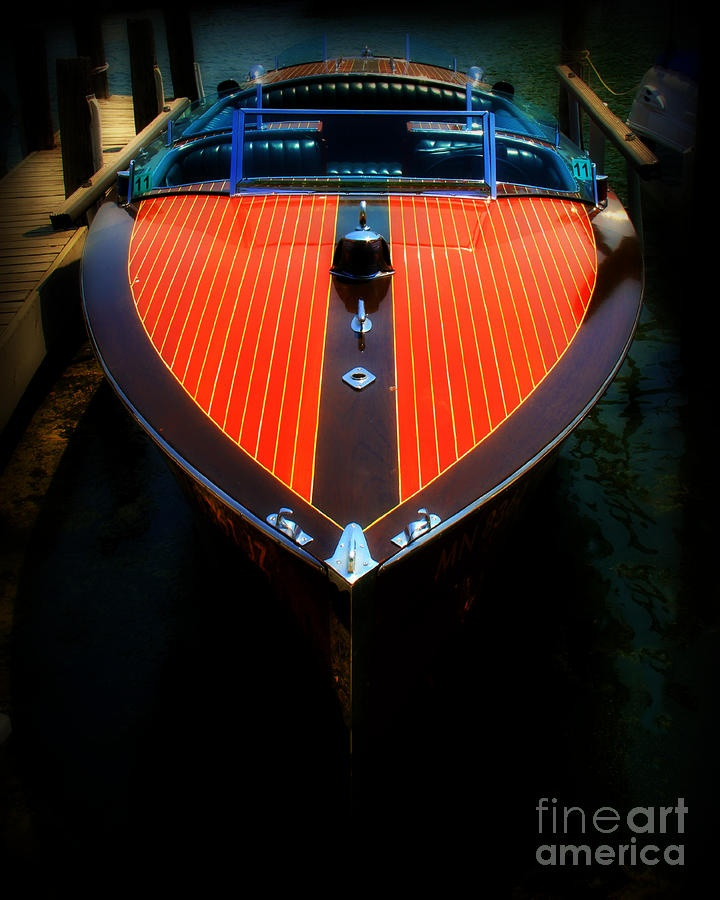 Wooden speed boat - The best kind