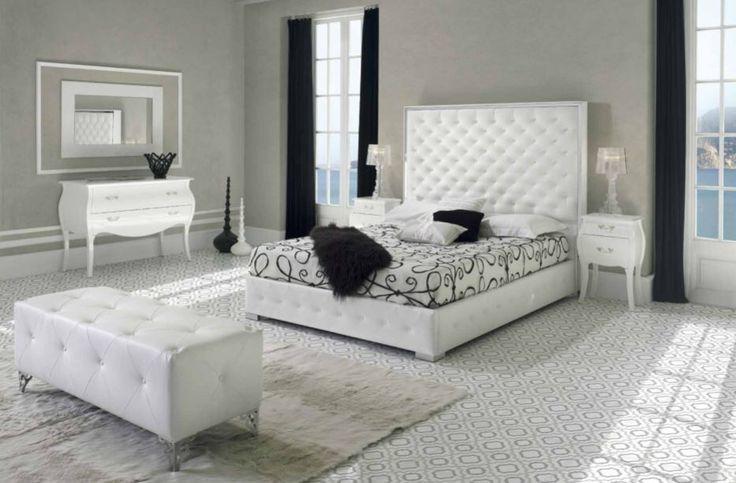 Snart kommer modell TRONDHEIM i hel seng til nettbutikken vår✨.  www.mirame.no #trondheim #seng #sengegavl #soverom #drømsøtt #norskehjem #nettbutikk #interior #interiør #mirame #design #hus #hjem #seng #godhelg #inspirasjon #nattbord #kommode #speil #puff #sneakpeek