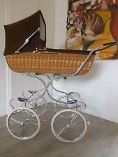 TOP!! Nostalgie Kinderwagen / Gondelkinderwagen / Korbkinderwagen. Hoch Modell.
