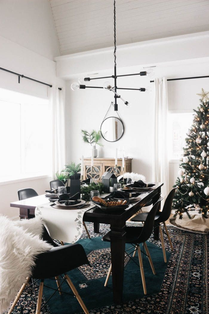 A Christmas Tablescape A Diy Table Runner Diy Table Decor Home Decor
