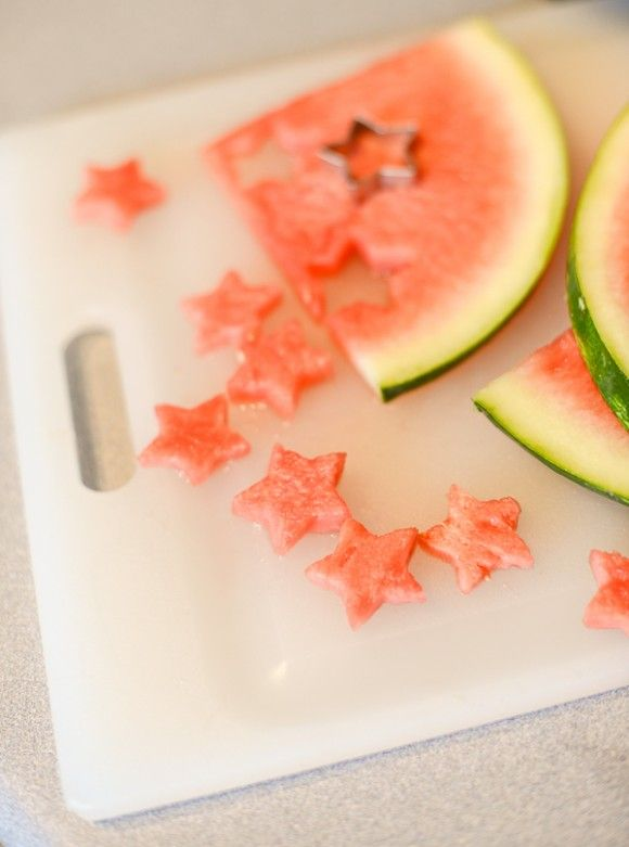 Watermelon Ice Cubes - cute idea for lots of holidays or gatherings. Or just for good summer fun!