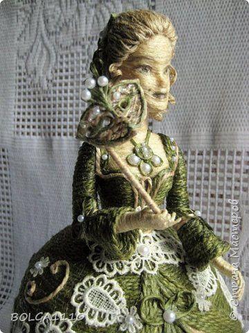 Здравствуйте , дорогие жители нашей страны!Я к вам с новой куклой-шкатулкой!В ней я реализовала несколько своих задумок.Во-первых, это раздельные пальчики.Во-вторых, другая форма платья,за счет неё увеличился размер шкатулки.Результат моего труда предоставляю на ваш суд. фото 5